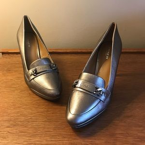Women's metallic high heels, size 8
